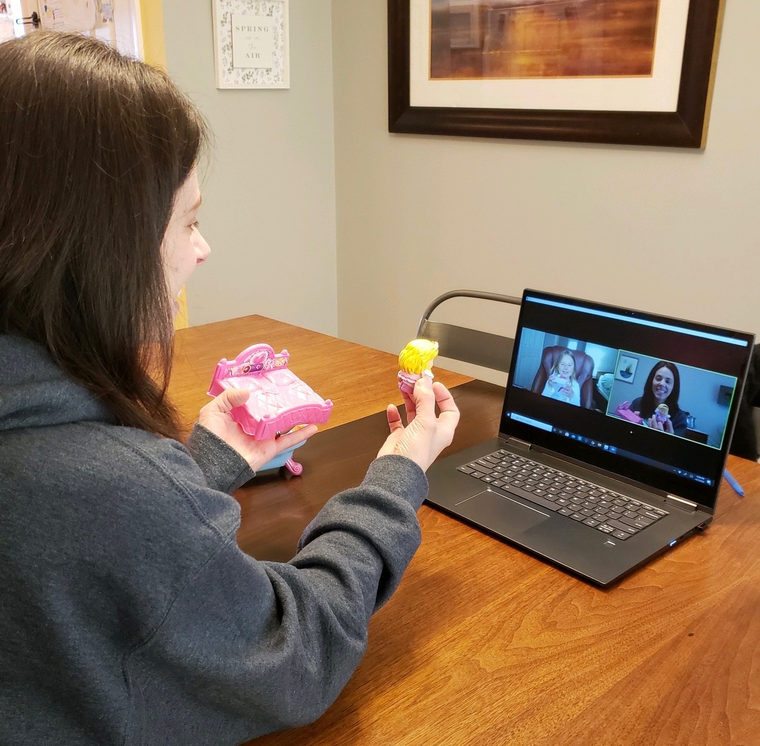 Speech therapist providing telehealth services.